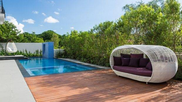 Amazing Outdoor Beds Help Fashion Ultimate Backyard Lounge