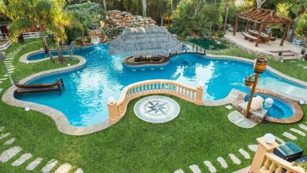 Amazing Pools Help Cool Off Home Style