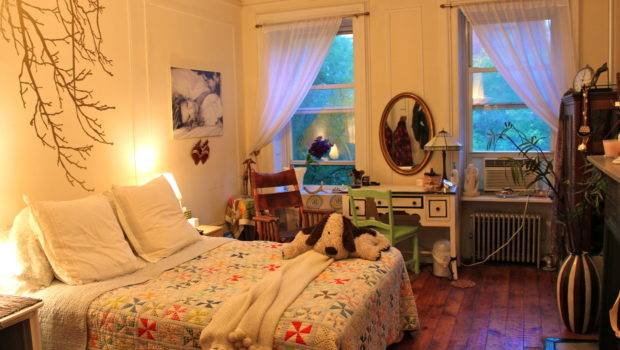 Apartment Pictured Above Has Fairly Roomy Bedroom Nyc Standards