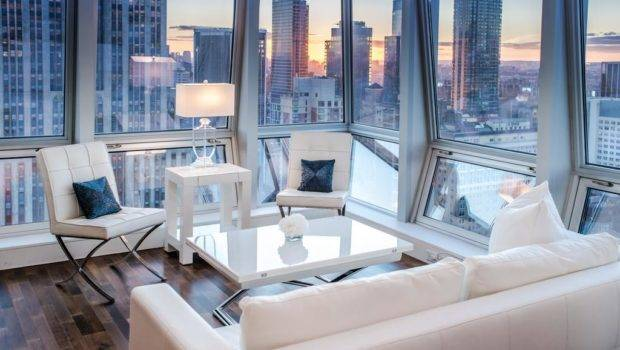 Apartment Stunning Views Near Ave New York
