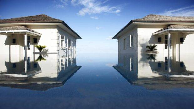 April Two Houses Infinity Pool