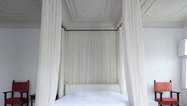 Back Bed Curtain