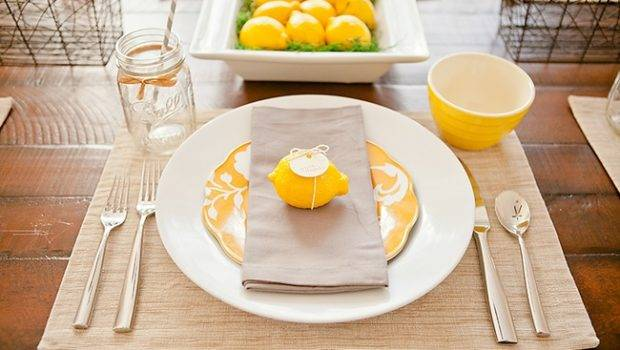 Beautiful Fresh Thanksgiving Place Setting Table