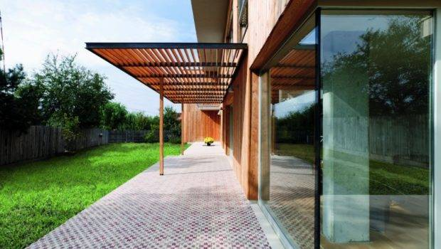 Big Wooden Wall Facade Wide Windows Canopy Lawn