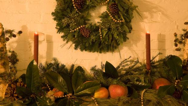 Christmas Decorating Ideas Small Apartments Renting Tips
