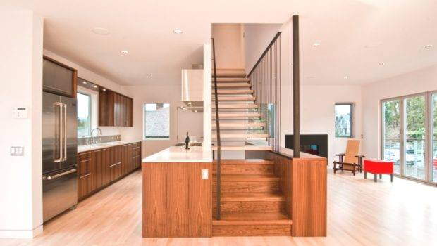 Contemporary Integrated Staircase Cabinet Adelto