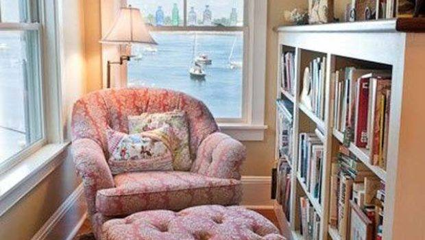 Cozy Warm Winter Reading Nooks Should Have