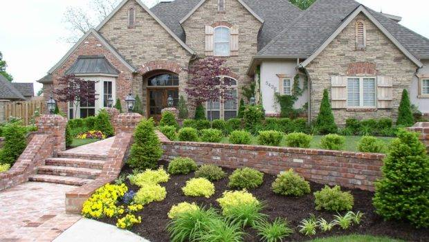 Curb Appeal Invites Prospective Buyers Into Your Property