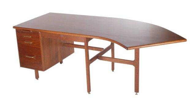 Danish Style Mid Century Modern Curved Executive Desk After Jens Risom