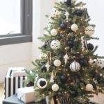 Decorate Christmas Tree Hgtv Decorating