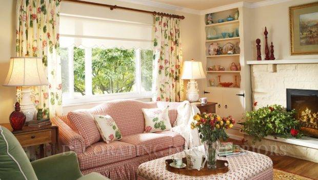 Decorating Small Spaces Flat Decoration