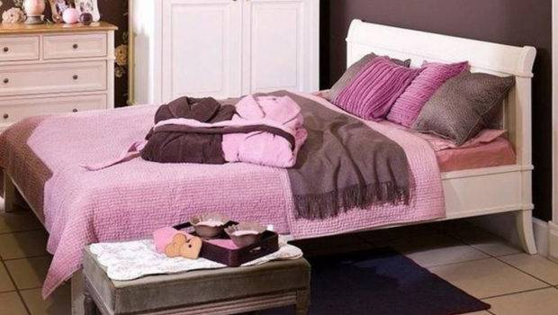 Deluxe Design Brown Pink Teen Bedroom Interior