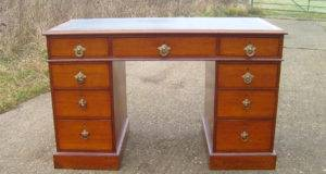 Desk Victorian Mahogany Pedestal Writing Leather Top