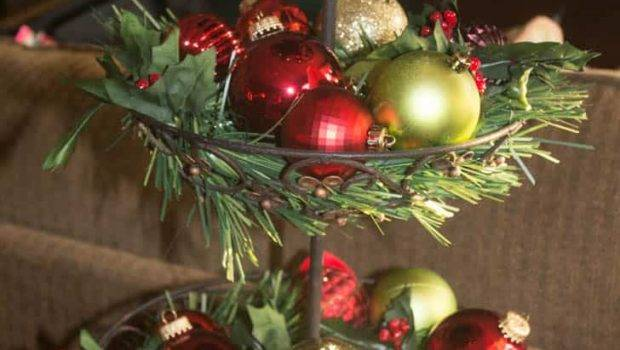 Easy Thrifty Christmas Decorating Ideas