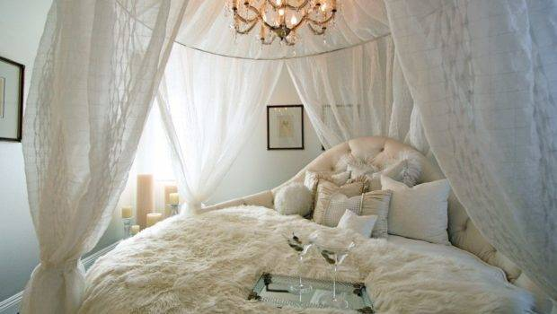 Elegant Canopy Beds Sophisticated Bedrooms