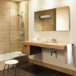 Ensuite Hotel Bathroom Featuring Duravit Onto Contemporary