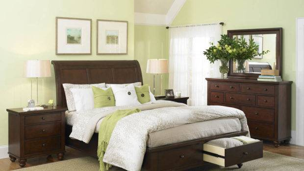 Exclusive Design Bedroom Set Light Green Accents
