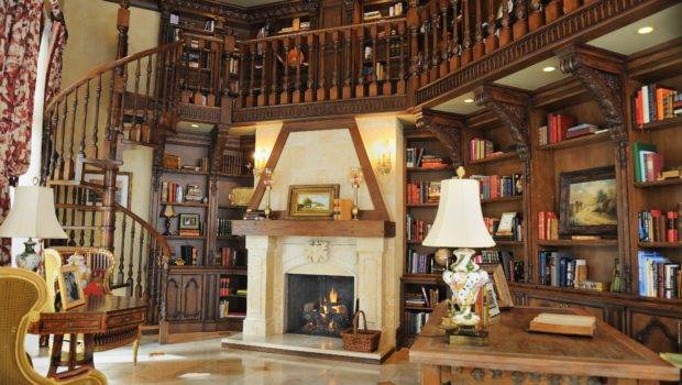 Gorgeous Comfortable Library