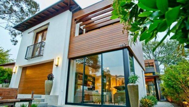 Green Show Home Stars High Tech