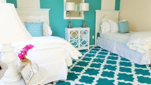 Guest Room One Two Beds Denise