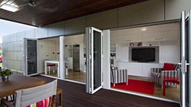 Homes Designs Out Shipping Container Offers Perfect Floor Plan