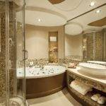 Hotel Bahrain Luxury Star Deluxe Room Bathroom