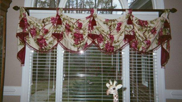 House Interior Design Window Treatments Dining Room