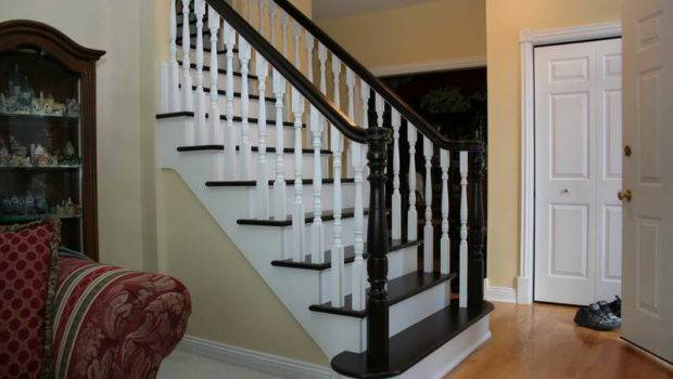 Indoor Southern Staircase Decoration