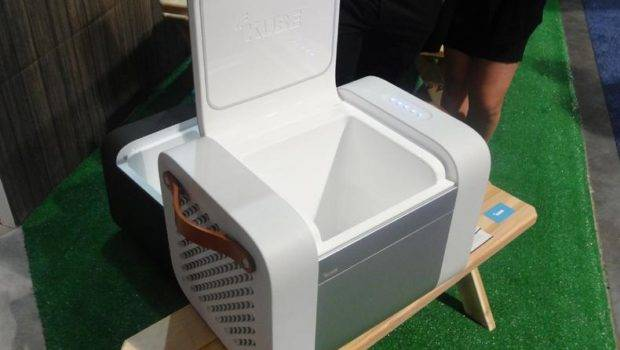 Kube Bluetooth Speaker Also Cool Your Food Drink