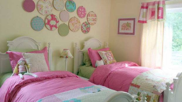 Little Girl Bedroom Ideas Which Can Make Them Look Likes Princes