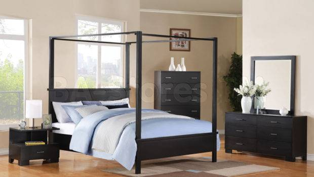 London Contemporary Canopy Bed Beds
