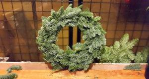 Make Traditional Scandinavian Christmas Wreath Runawaykiwi