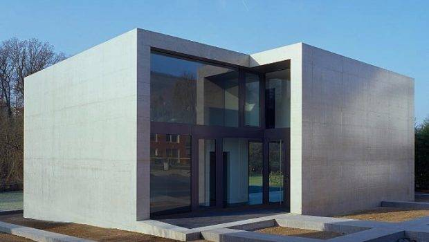 Minimalist House Concrete Cube Frame Findling Home