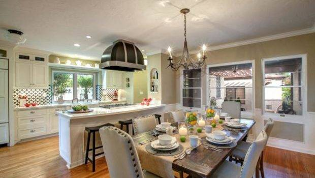 Modern Day Country Kitchen Features Vintage Style