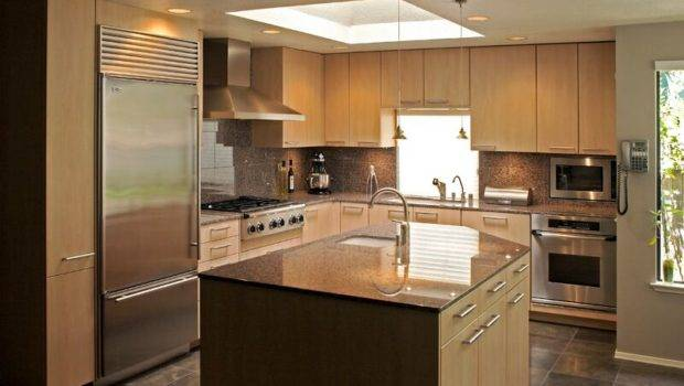 Modern Light Wood Kitchen Cabinets Design Ideas