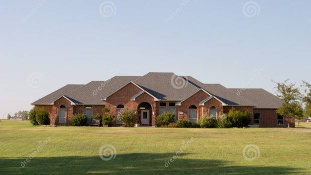 Modern Ranch Style House Several Acres Rural Area