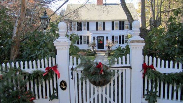 Naples Hartford Season Traditional New England Christmas