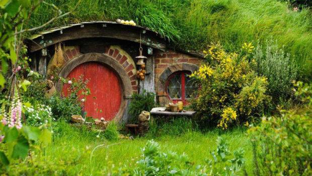 New Zealand Includes Visiting Hobbit Holes Homes Build Into