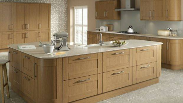 Oak Kitchens Mastercraft