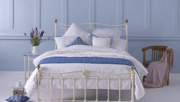 Obc Tulsk Low Footend Double Glossy Ivory Metal Bed Frame