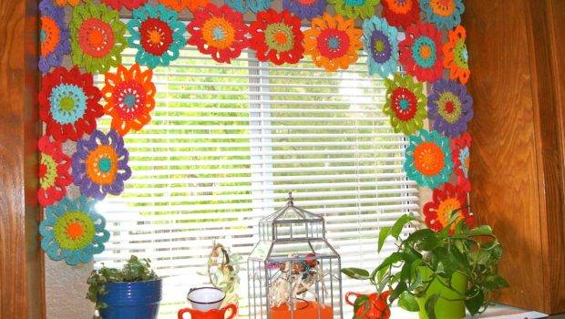 Once Upon Pink Moon Flower Power Valance Tutorial