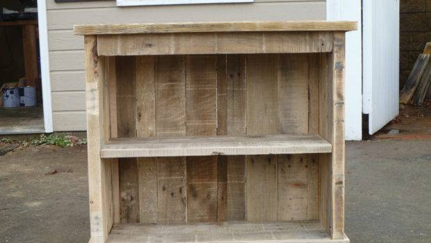 Pallet Bookcase Night Stand Diy Projects Pinterest