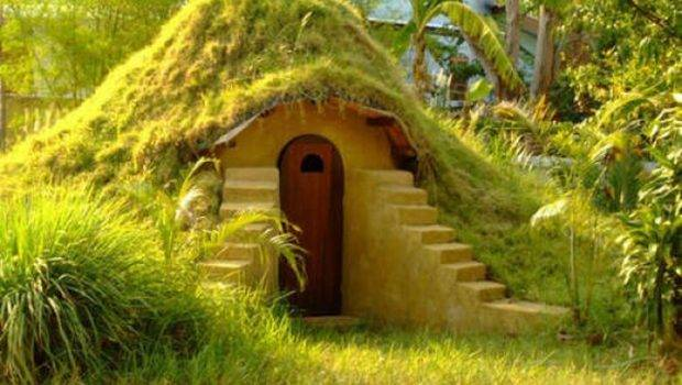 Real Hobbit House Insanetwist