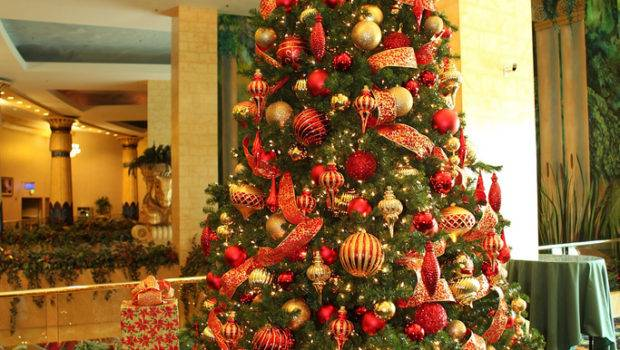 Red Gold Christmas Tree