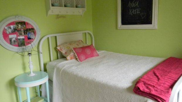 Renew Home Redecorating Small Bedroom