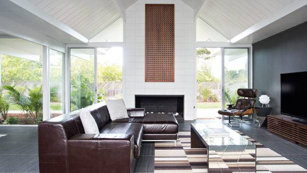 Rich Autumnal Browns Decorate Lounge Area Bringing Warmth