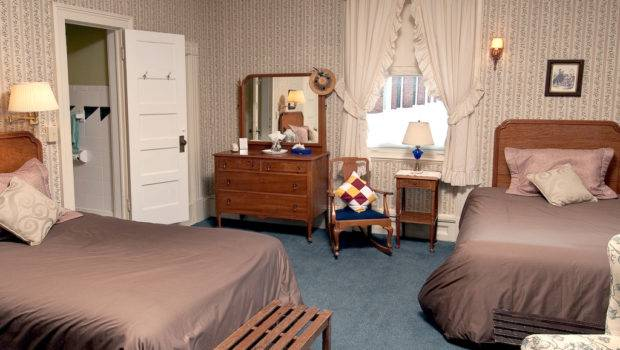 Rooms Two Beds Brandon Inn Vermont Country