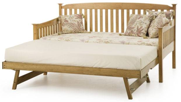 Serene Furnishings Eleanor Day Bed Guest