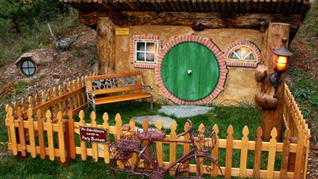Shire Inspired Hobbit Homes Worthy Bag End