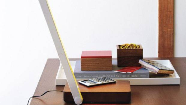 Simple Furniture March Table Lamp Design